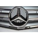 Hochwertige Front-Kamera für Mercedes in Chrom perfekt & unauffällig ins Front-Emblem integriert